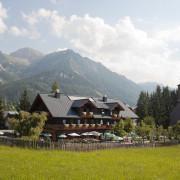 Kulmwirt Ramsau am Dachstein mit Gastgarten